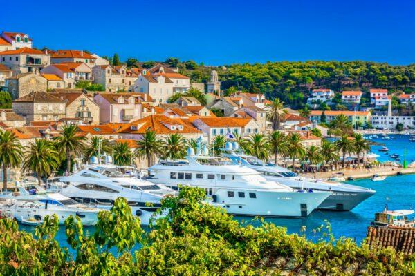 Croatia luxury yacht charter(1)